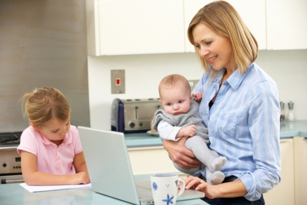 working_mother_woman_kid_children_Credit_Monkey_Business_Images_ss99254675