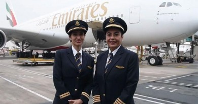 Female-pilots-fly-Emirates